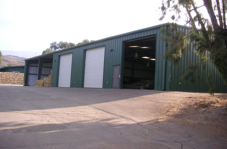 6000 sf Barn/Meeting Area
