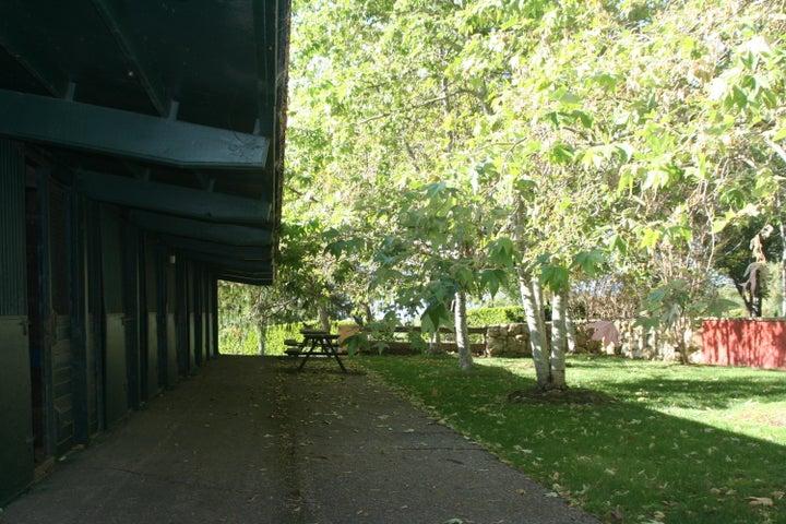 'H' Barn Lawn