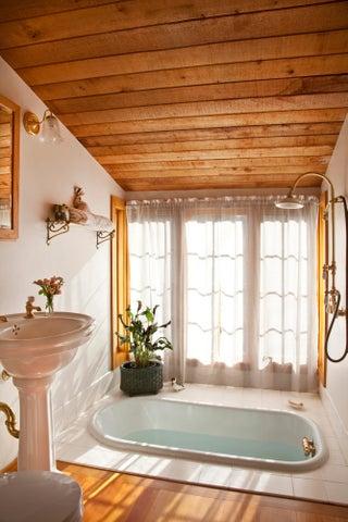 ALLEN_Bathroom_HR