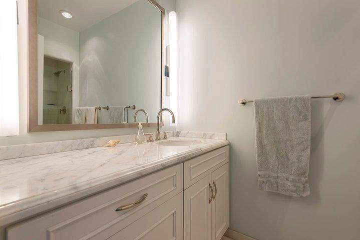 1348 Plaza Pacifica Bathroom 2