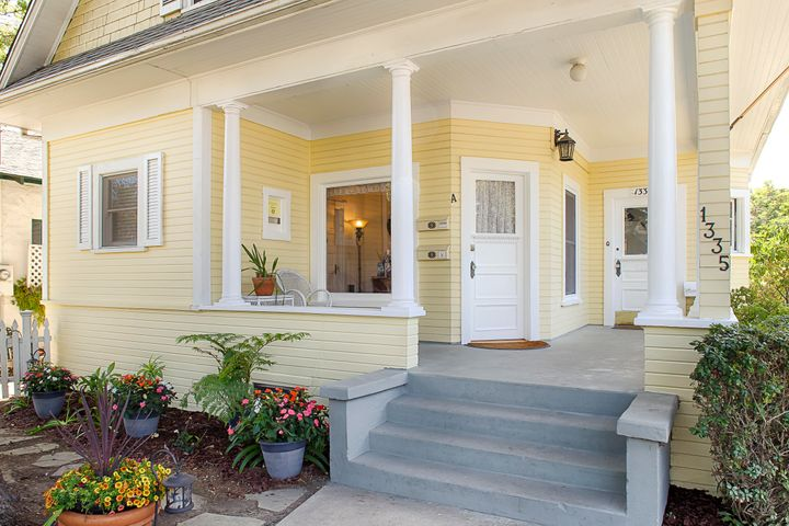 Entry porch to Unit A