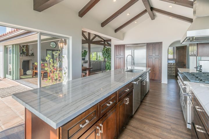 Main Residence - Kitchen w: Large Island