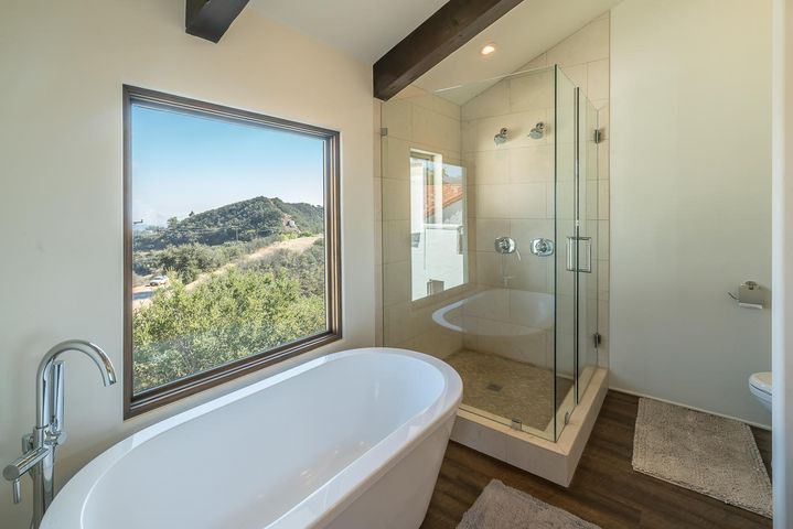Main Residence - Master Bathroom