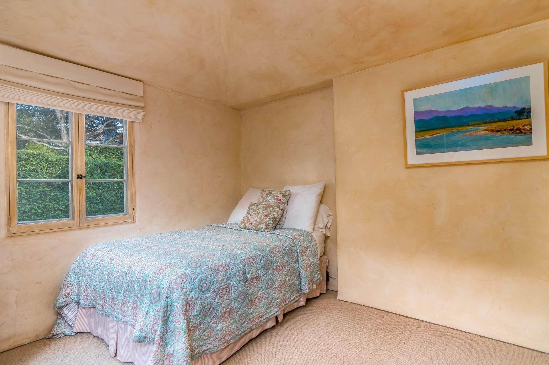 013 guest bedroom