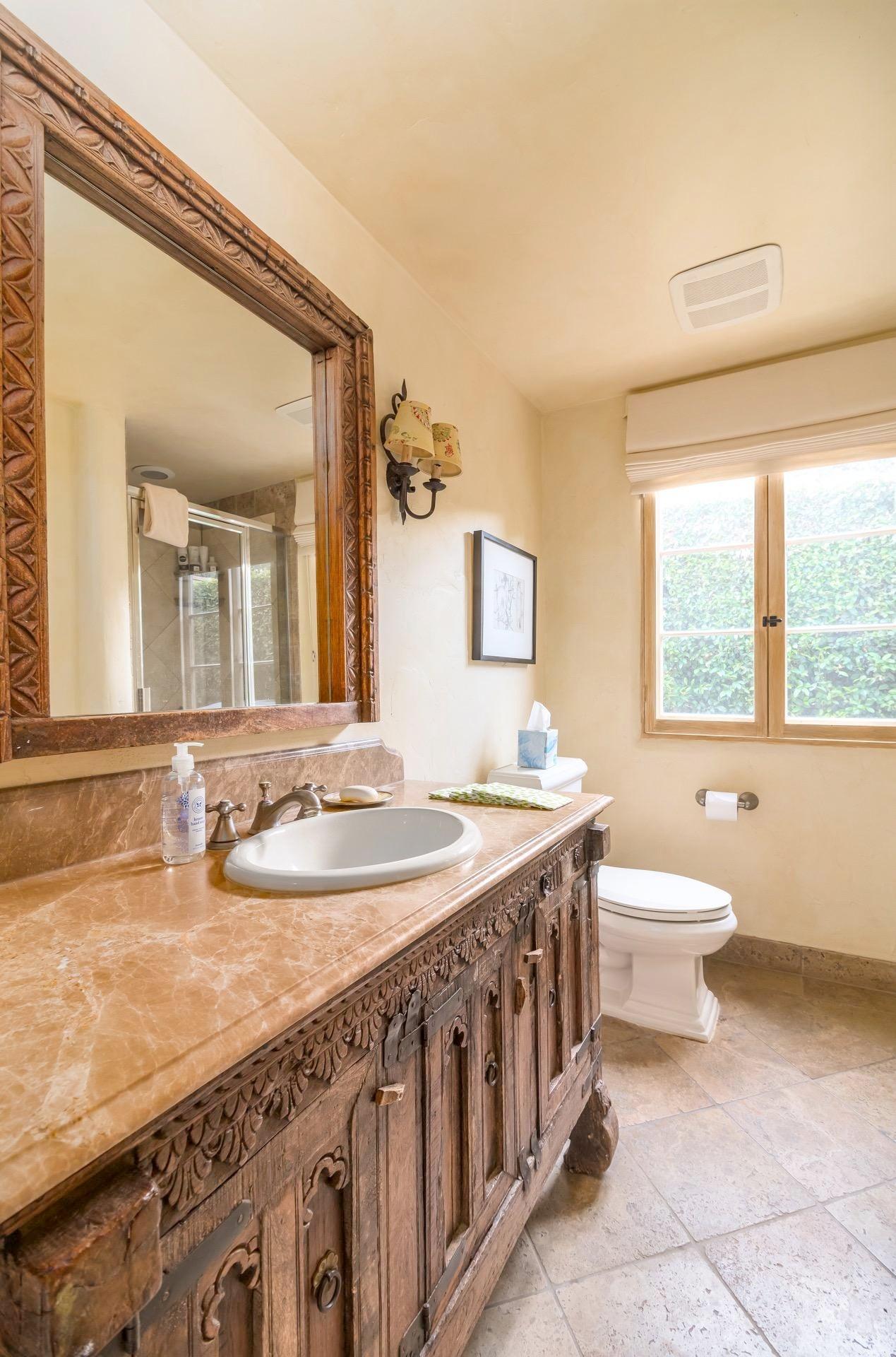 014 Guest bathroom