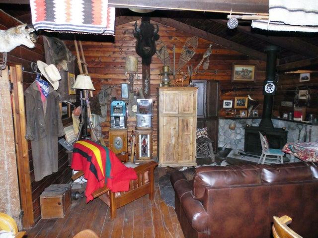 20 Cabin Interior 3