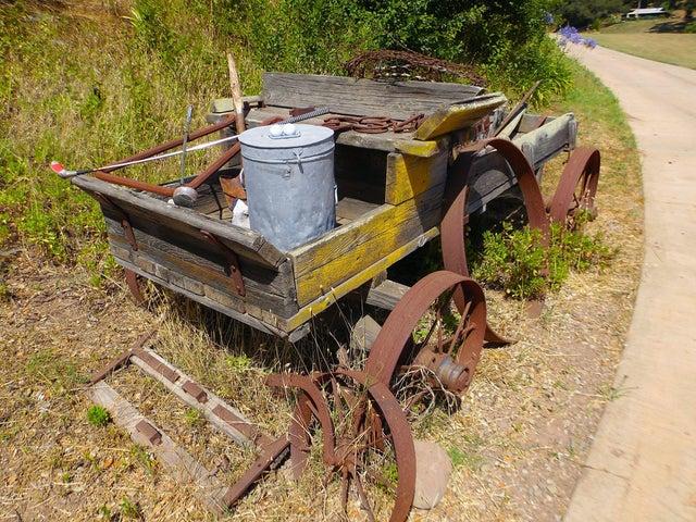 24 Rusting Wagon 1