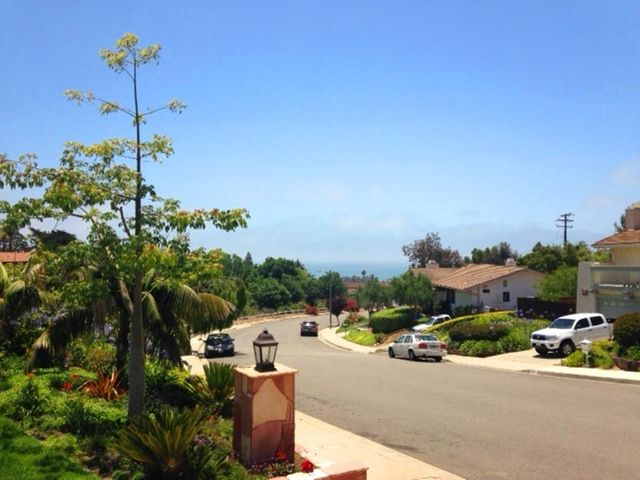 1678 Buena Vista neighbors