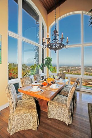 Elegant Dining Area w/Cathedral Ceilings