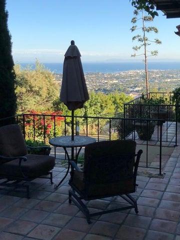 Terrace lovely for enjoying wine or tea