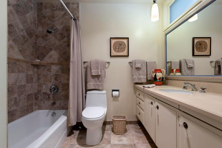 1334 Plaza Pacifica guest bathroom