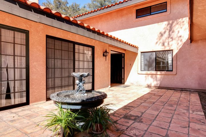 1445 S Rice Rd-007-38-Courtyard-MLS_Size