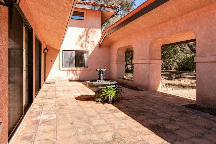 1445 S Rice Rd-008-35-Courtyard-MLS_Size