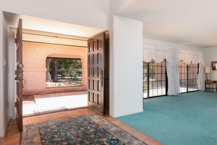 1445 S Rice Rd-009-24-Entryway-MLS_Size