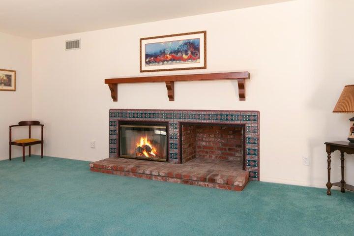 1445 S Rice Rd-011-22-Living Room-MLS_Si