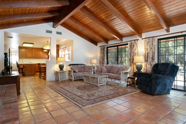 1445 S Rice Rd-015-30-Family Room-MLS_Si