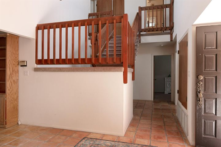 1445 S Rice Rd-022-21-Staircase-MLS_Size