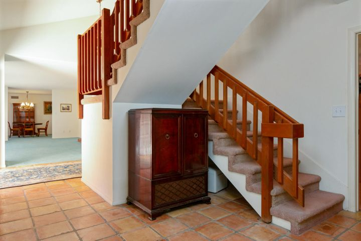 1445 S Rice Rd-023-3-Staircase-MLS_Size