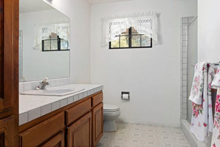 1445 S Rice Rd-030-2-Bathroom-MLS_Size
