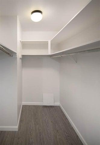 Unit 4 walk in closet
