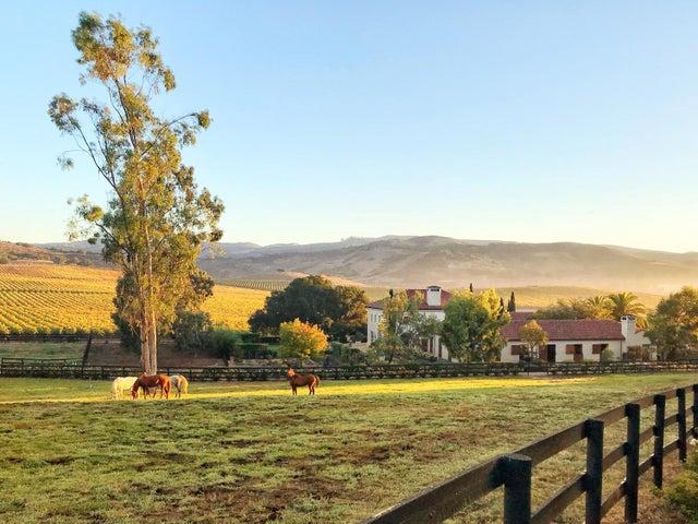 HB Barn Outside (3)