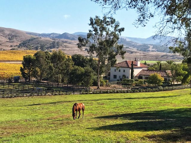 HB Barn Outside (5)