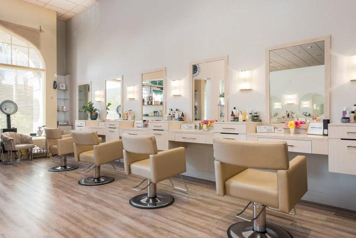 011_11-Salon Area