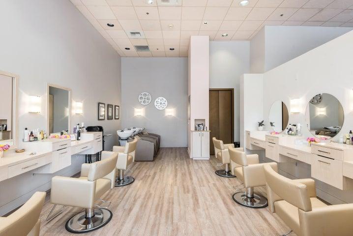 009_09-Salon Area