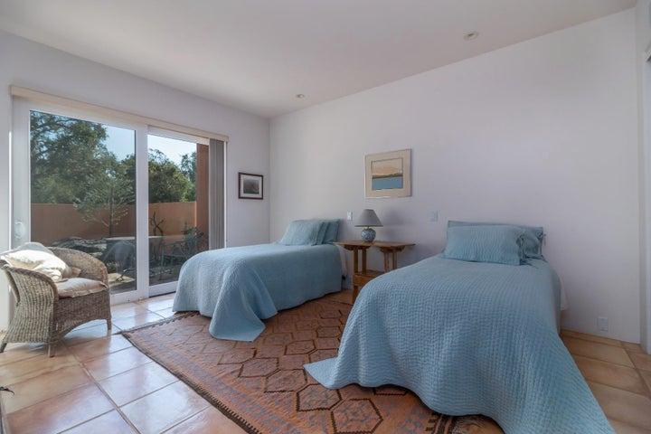015 guest bedroom