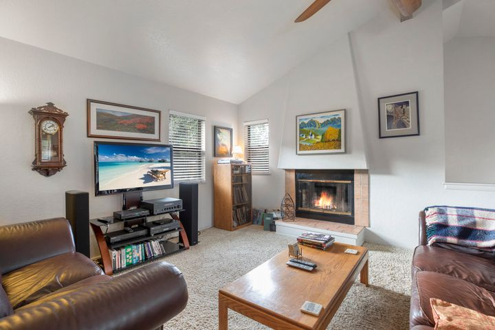 620 W Carrillo St, B, SANTA BARBARA, CA 93101