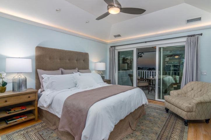 California King in the master suite