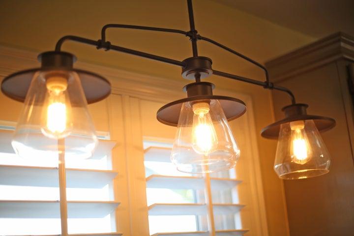 522 Dentr Dr - Lights over Kitchen Sink