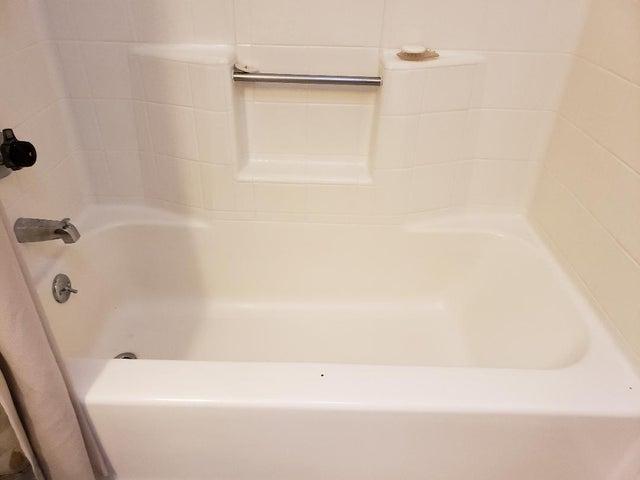 Hall Bathtub