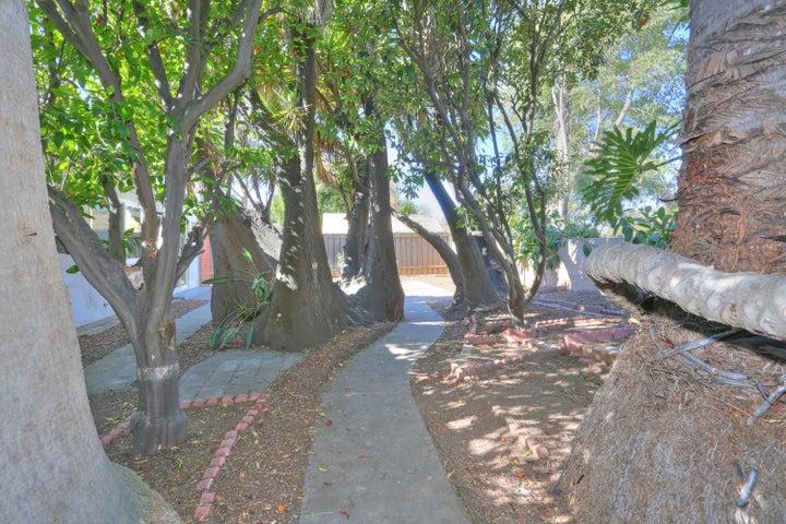 5094 Santa Susana Ave 5