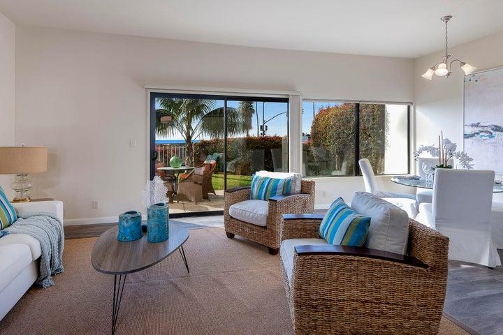 04_667-A Del Parque Drive living room