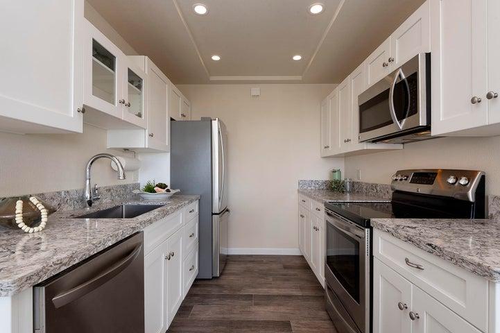 08_667-A Del Parque Drive kitchen