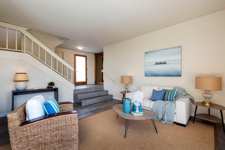 09_667-A Del Parque Drive living room to