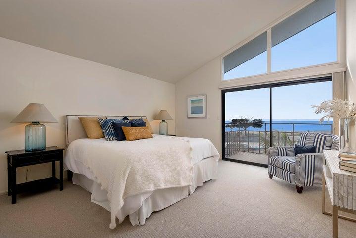11_667-A Del Parque Drive master bedroom