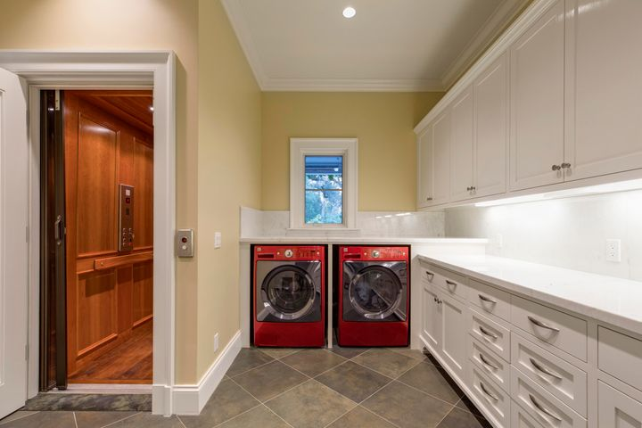 Mud Room - Laundry w/ Elevator