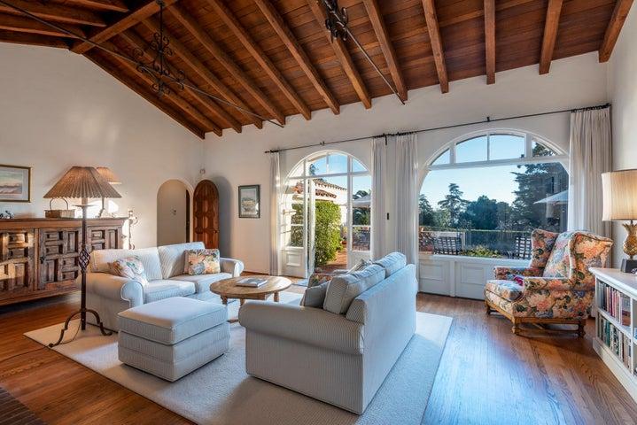 1806 Living Room