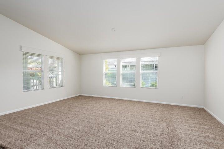 011_11-Living Room