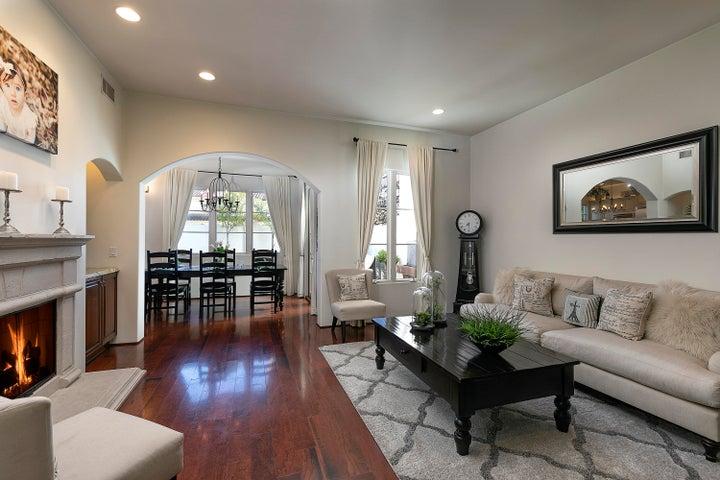 Formal Living Room (2)