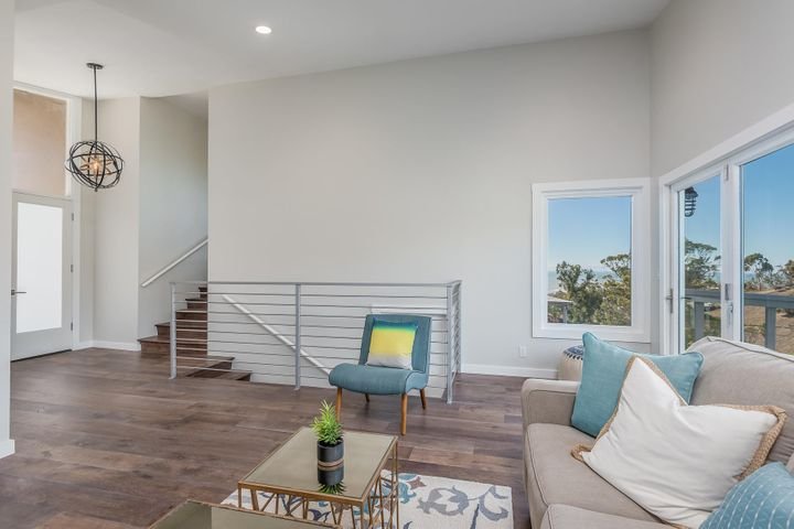 375 Mariposa Drive-022-18-Living Room-ML