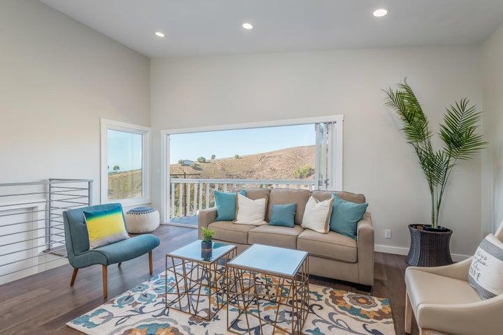 375 Mariposa Drive-023-13-Living Room-ML