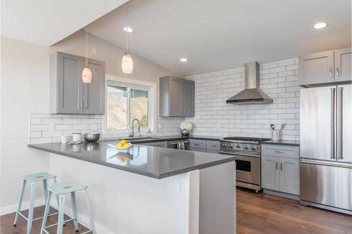 375 Mariposa Drive-036-11-Kitchen-MLS_Si