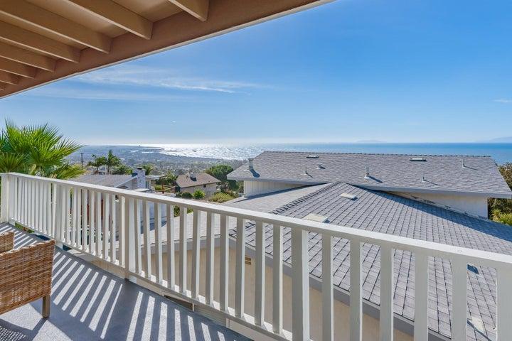 375 Mariposa Drive-038-2-Balcony-MLS_Siz