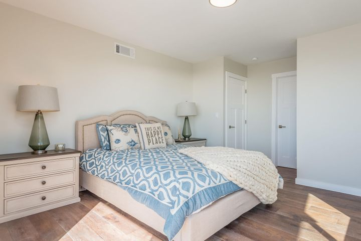 375 Mariposa Drive-039-16-Master Bedroom