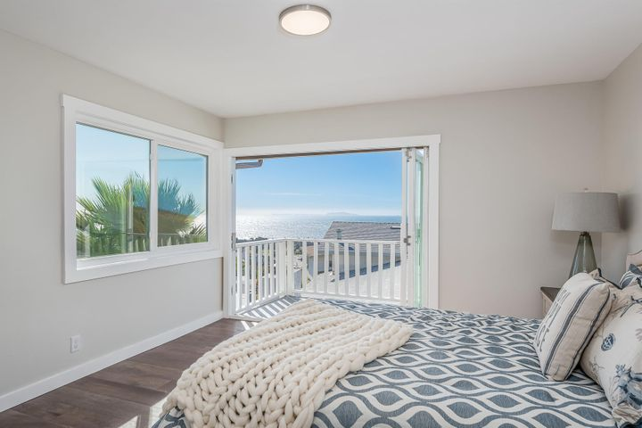 375 Mariposa Drive-042-14-Master Bedroom