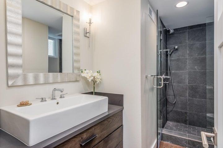 375 Mariposa Drive-047-19-Bathroom 2-MLS