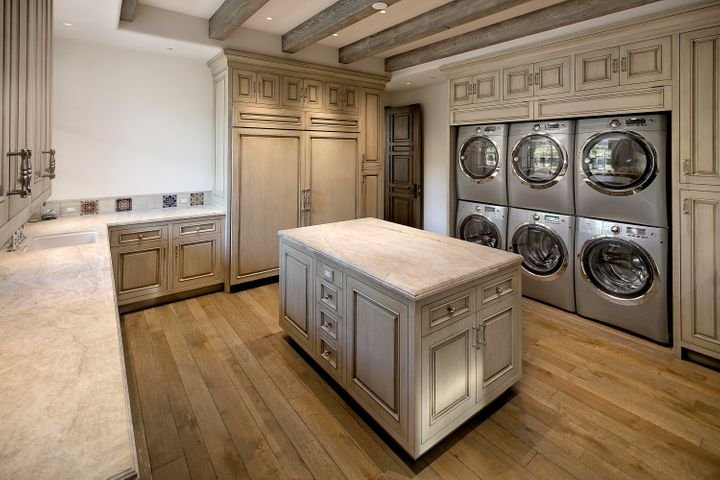 Laundry - Butler's Pantry